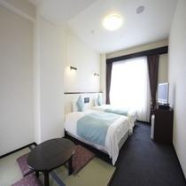 ◆和洋室 広さ22㎡(畳スペース約3,2㎡) ベッドサイズ120×200