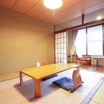 *【お部屋】阿蘇山が一望!建物は古いですが、清潔感のある和室です