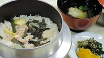 *【お料理】山や海の幸をふんだんに盛り込んだ和会席料理