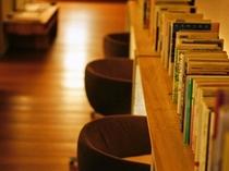 【ロビー】貸出書籍&CD