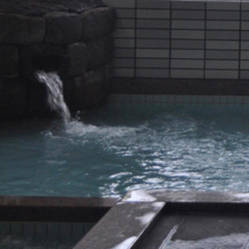 ■あふれるお湯の柳田温泉