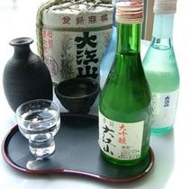 能登は能登杜氏として有名で、当館にも、たくさんの地酒を取り揃えています。