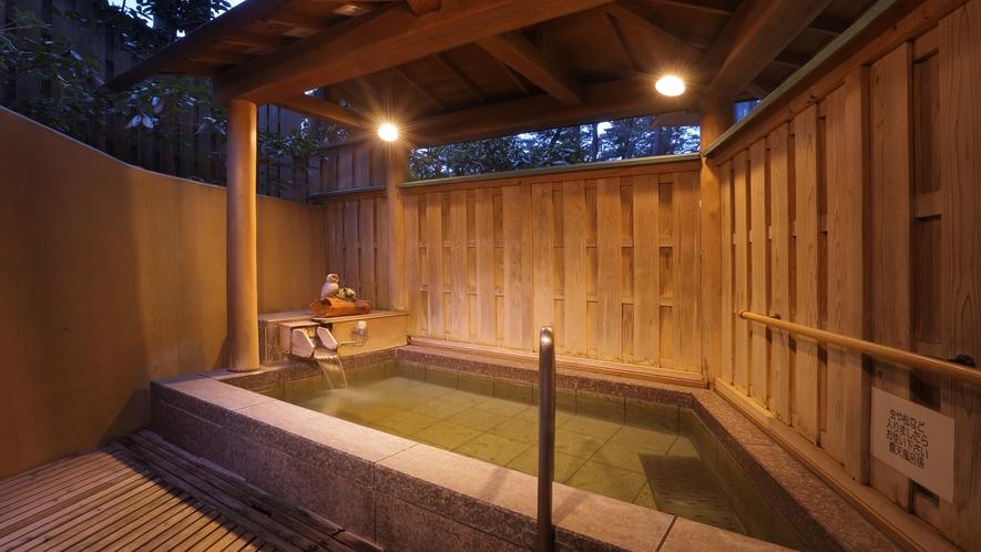 貸切露天風呂「まどかの湯」(夜)