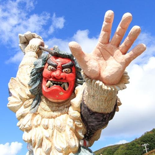 """*旅の道中、大きな""""なまはげ""""を発見することも!秋田旅行の楽しみのひとつです。"""