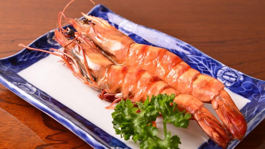 *お夕食一例(海老塩焼き)