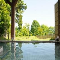 【温泉】十和田湖西湖畔唯一の源泉100%かけ流し露天風呂