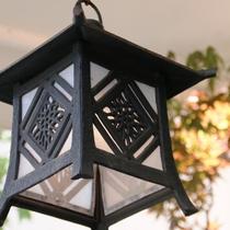 玄関にあるランプ