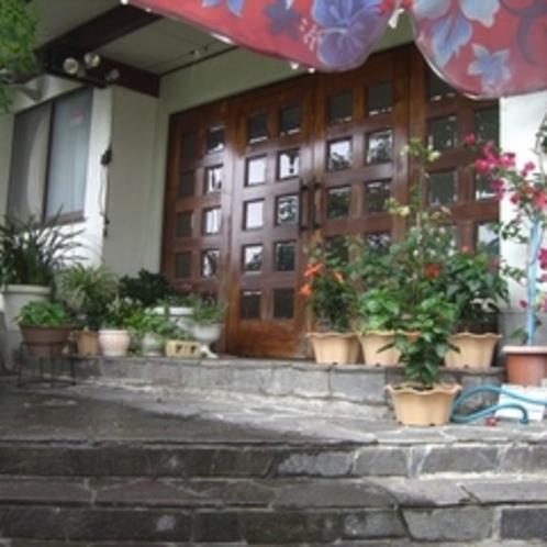ホテル花飾璃の玄関(正方形)