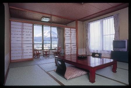 216富士山眺望和室
