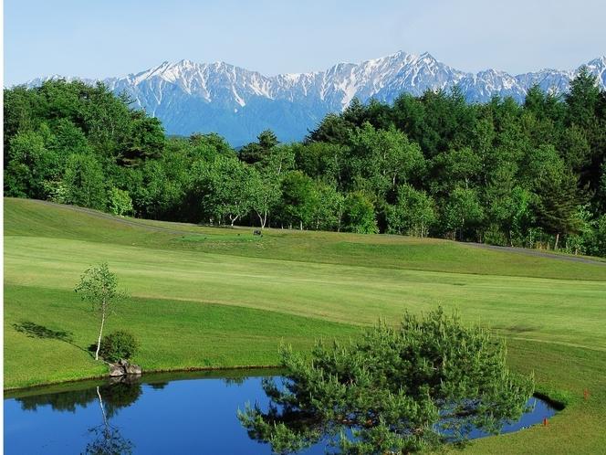 南長野ゴルフ倶楽部から見たアルプスの絶景
