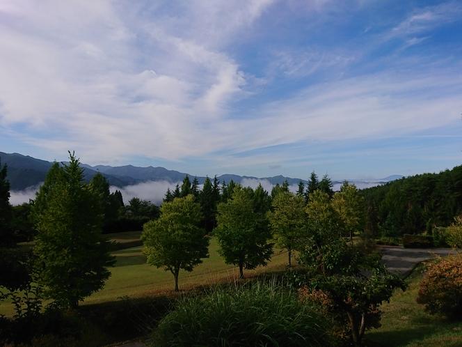 庭園イメージ(気象条件があえば雲海が楽しめます)