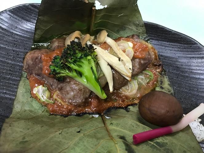 料理イメージ(信州プレミアム牛の朴葉焼き)