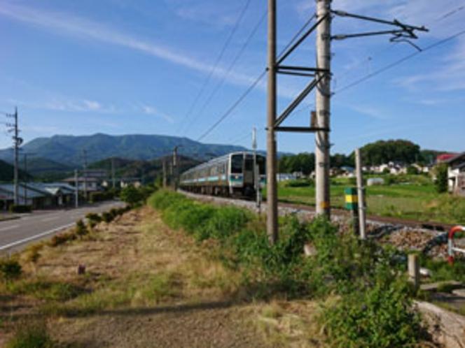 周辺施設/ローカル線の様子