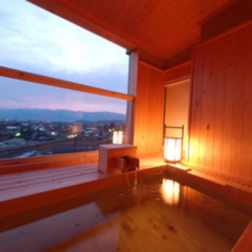 客室露天風呂 夕景