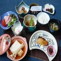 湯豆腐の朝食