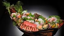 【お食事一例】舟盛:別注料理でご用意可能です。3日前迄にご予約をお願い致します