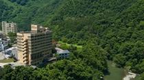 【大自然の中のホテル】大自然の中海鮮料理をご堪能下さい