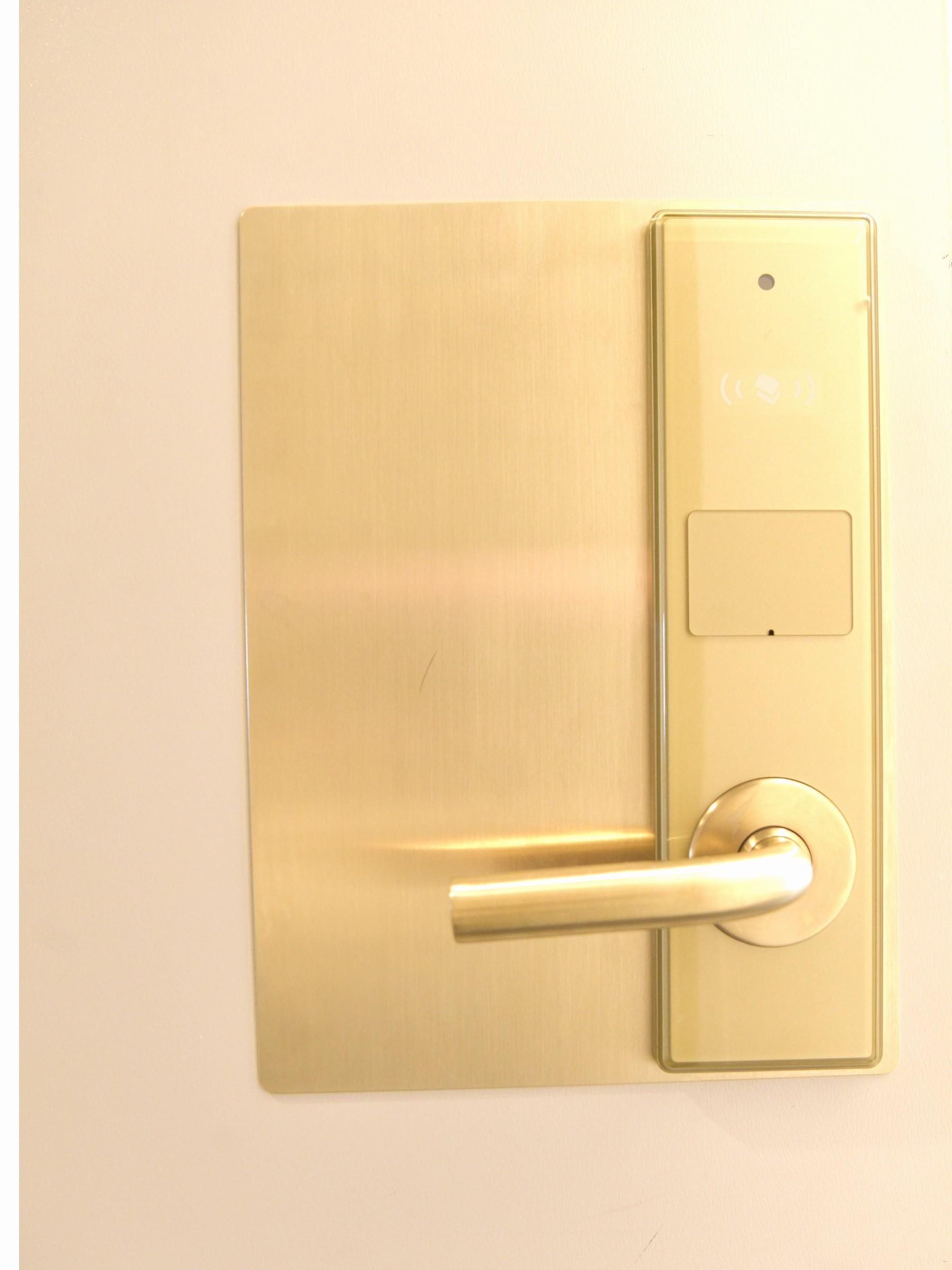 非接触型カードキー