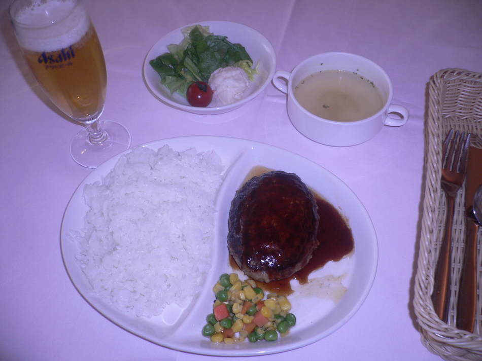 夕食メニューの一例