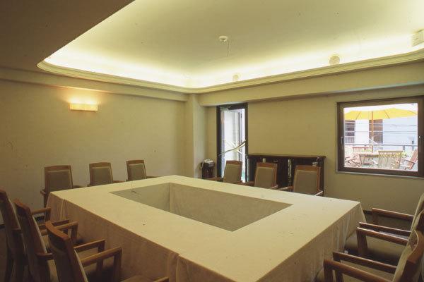 会議室ウェスト