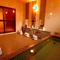 *[大浴場一例]無色・無臭・無味であり、肌への刺激が少なく、湯上りさっぱり保温性もGood!