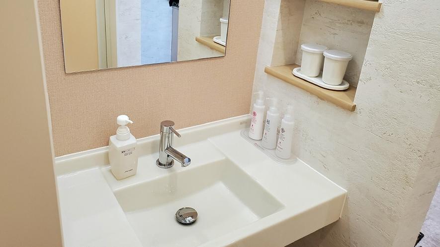 [禁煙室]リラックスツイン洋室 ≪36平米≫ 洗面所