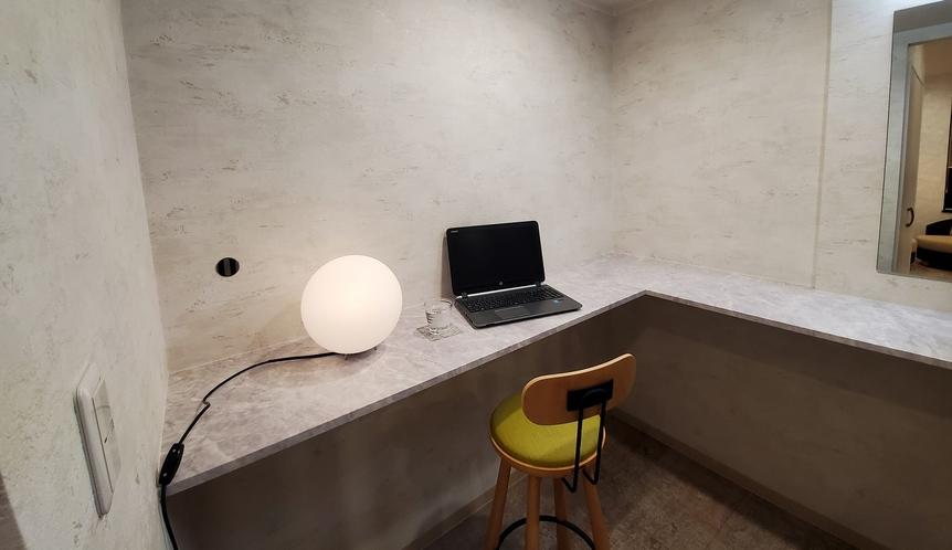 [禁煙室]リラックスツイン洋室 ≪36平米≫ ワークスペース