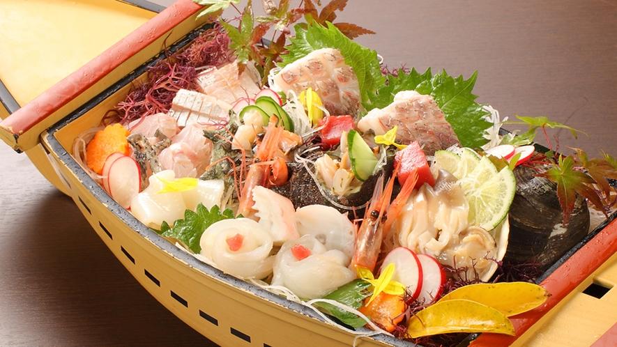 日本海ならでは!豪華舟盛りのお造り