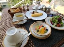 洋朝食の一例