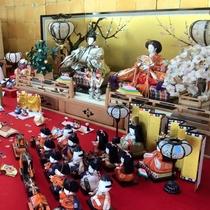 【2月中~3月頃】可愛い手作り雛飾りなど、沢山の雛人形がお出迎え♪