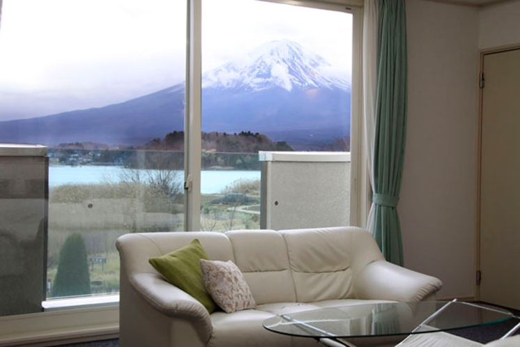 ミント リビングから富士山