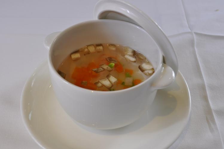 湖畔コース 薬膳スープ