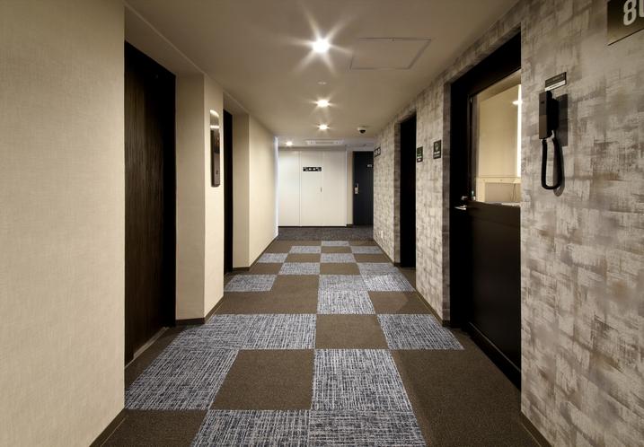 8階エレベーターホール
