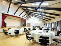 【多目的ホール】100名様まで収容可能な多目的ホール。