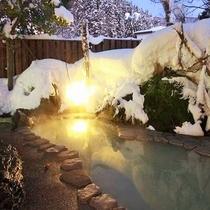 冬の岩露天風呂