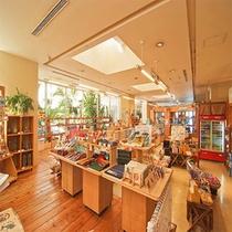 琉球総合 土産館「谷茶前商店」