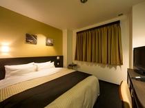 ダブルルーム・最上級の眠りをご提供するシモンズのベッドを使用(全室)