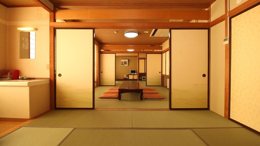 ■客室・3間続き_大人数が利用しやすい湯治の宿ならではの客室