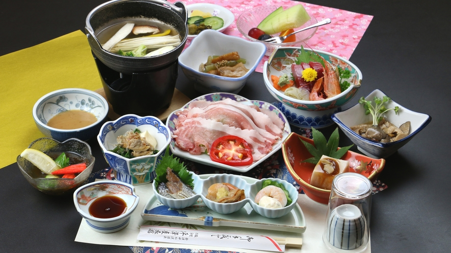 ■ご夕食一例・豚しゃぶコース_麓山高原豚のしゃぶしゃぶと季節の和食膳