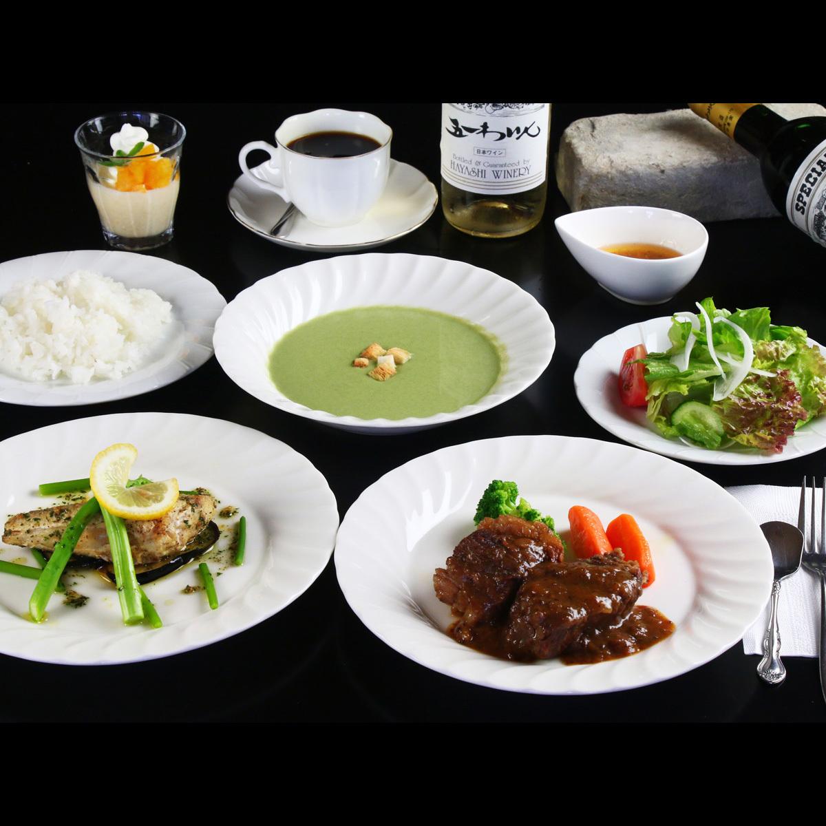 【スタンダード 全体の一例】お肉とお魚料理両方楽しめます