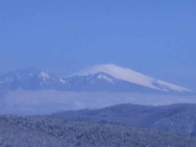 遠くに見える浅間山