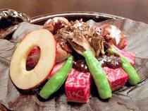 朴葉焼き(お料理贅沢プラン、貸切露天と朴葉焼を堪能するプラン)(225X300)