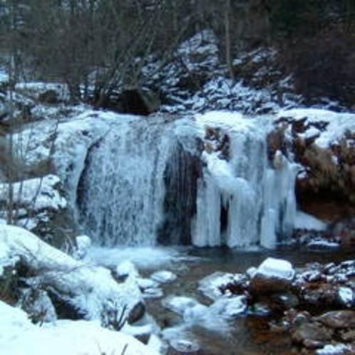 冬の霧降の滝