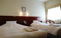 ツインベッドルーム(ベッド2基 110cm×200cm)