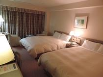 デラックスツインルーム【34平米 145㎝幅ベッド2台】