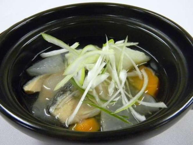 北海道名物『三平汁』鮭と根菜のあっさり塩味仕立て!