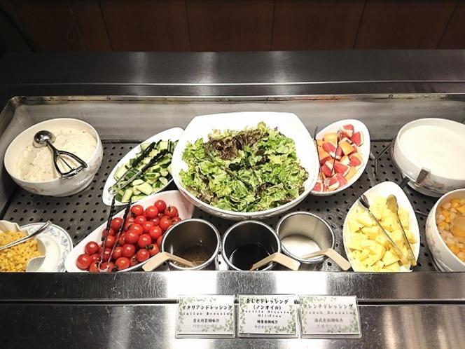 新鮮!サラダコーナー 新鮮なサラダを食べて健康的に♪