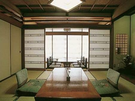 【2・3階・グレードUP】 和室8畳+広縁