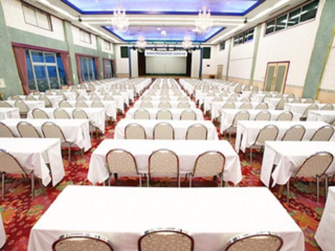 【レインボーの間】会議・講義など各種の催しが可能