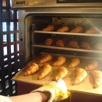ホテルで焼き上げたパン♪